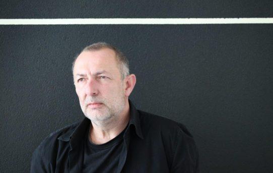 Radan Hubička: Harmonie aabstraktní kompozice bez jakýchkoli příkras