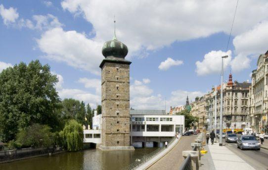 100 let československé a pražské architektury v Mánesu