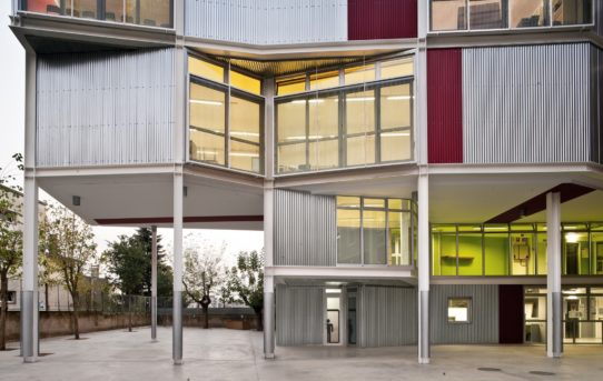 Mias Architects: Projekt jako cvičení klasické gymnastiky / Video