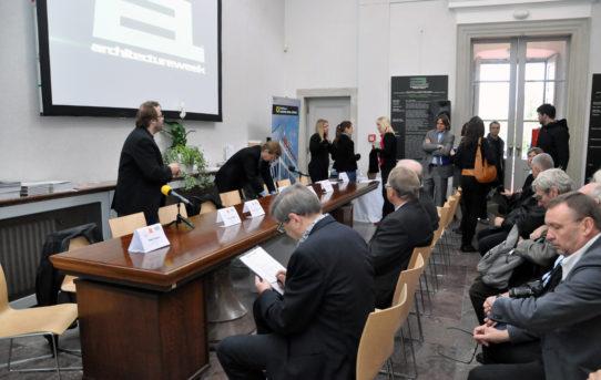(Čeština) Tisková konference