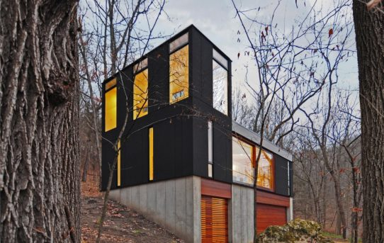 Stacked Cabin od Johnsen Schmaling Architects