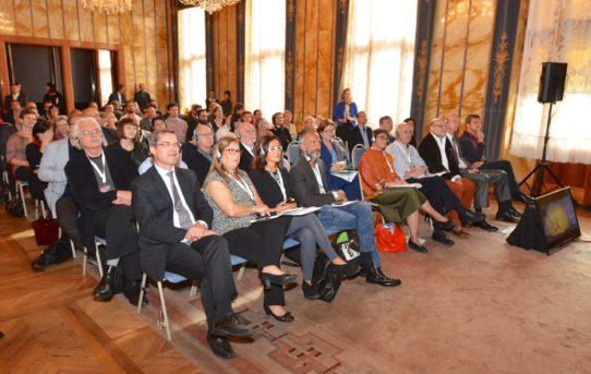 (Čeština) IV. Mezinárodní odborná konference Současná architektura vhistorických souvislostech