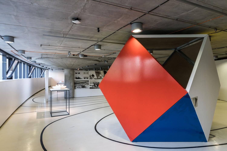 Architektura zmocňující se prostoru: Alfred Neumann – život a dílo / Video