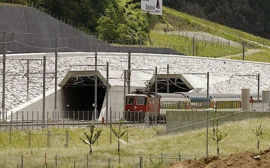 Švýcarsko: Gotthard 2016 – Nejdelší železniční tunel