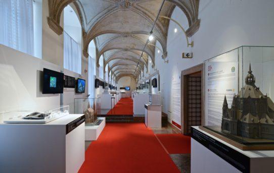 (Čeština) Výstava architektonické dědictví a současná architektura