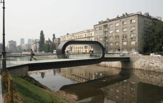 (Čeština) 100 veřejných prostorů: od malých čtvrtí až po velké městské parky