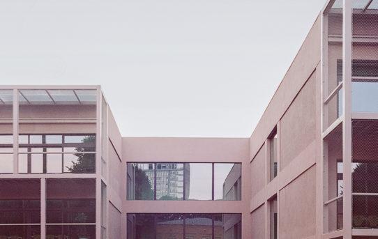 (Čeština) Přeměna střední školy v Nizza Millefonti, Turín, Itálie