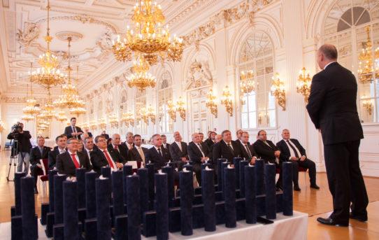 (Čeština) Slavnostní večer 15 let založení AKČR