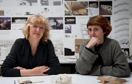Prestižní Pritzkerovu cenu 2020 získaly Irky